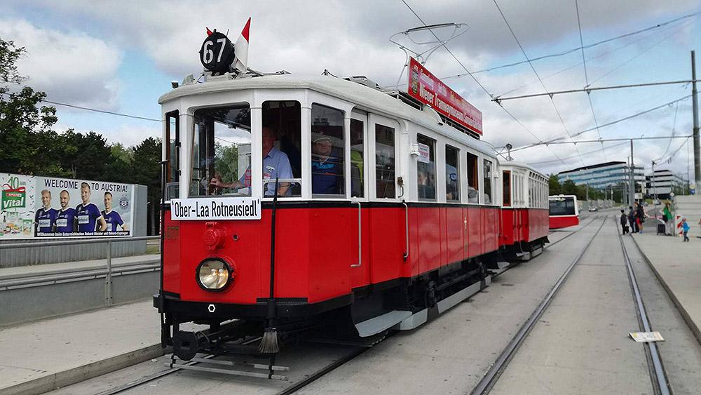 tram67vienna.jpg