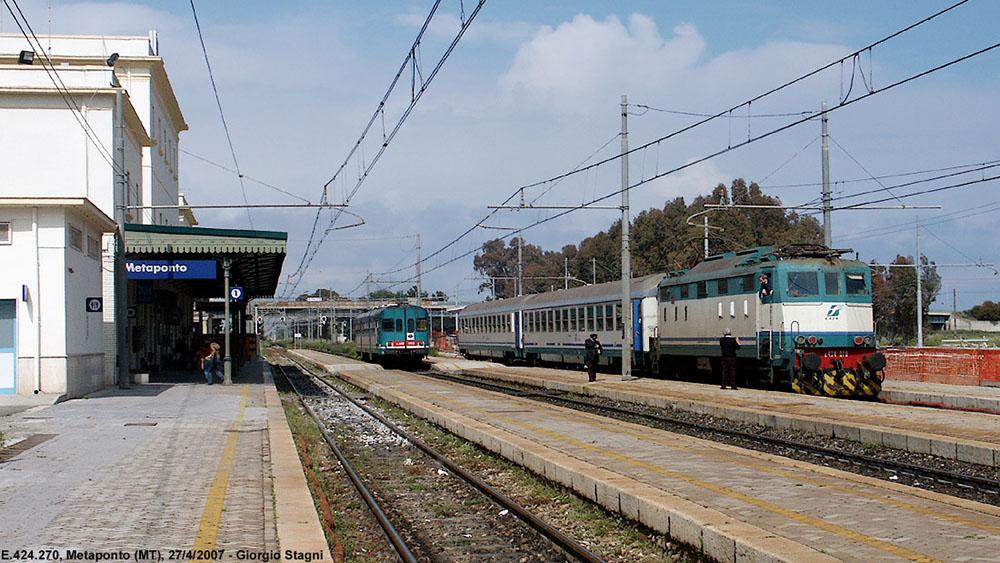 Sale Blu Ferrovie : I servizi di assistenza in stazione servizi di assistenza e sale