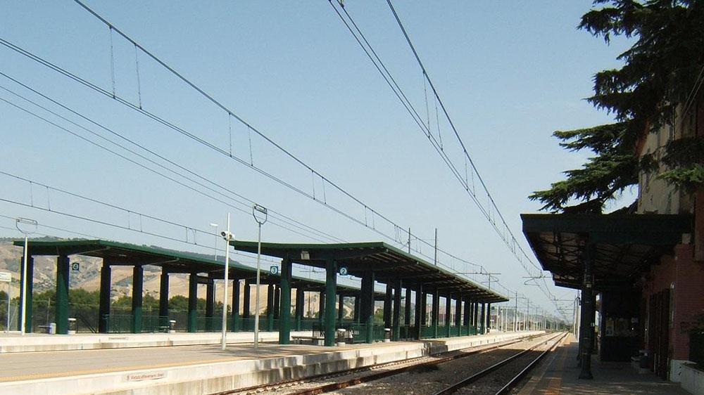 Sale Blu Ferrovie : Ferrovie.info stazione di ferrandina i servizi della sala blu