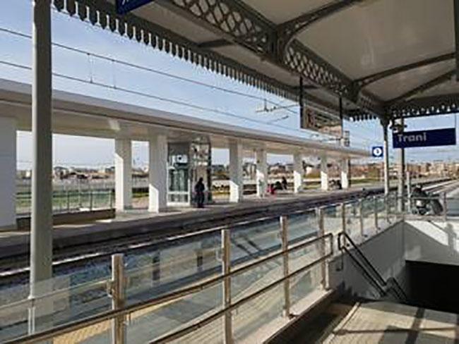 Sale Blu Ferrovie : Ferrovie.info rfi stazioni di trani e mola di bari inserite nel