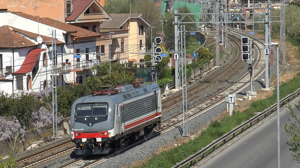 Ferrovie: in consegna la E.464.376 Intercity Giorno di Trenitalia [VIDEO]